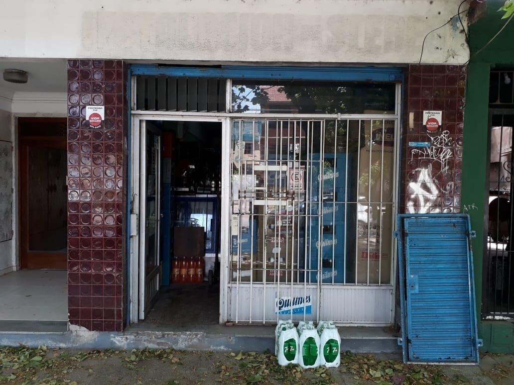 latorre prop. vende local comercial con sótano sobre av. libertad