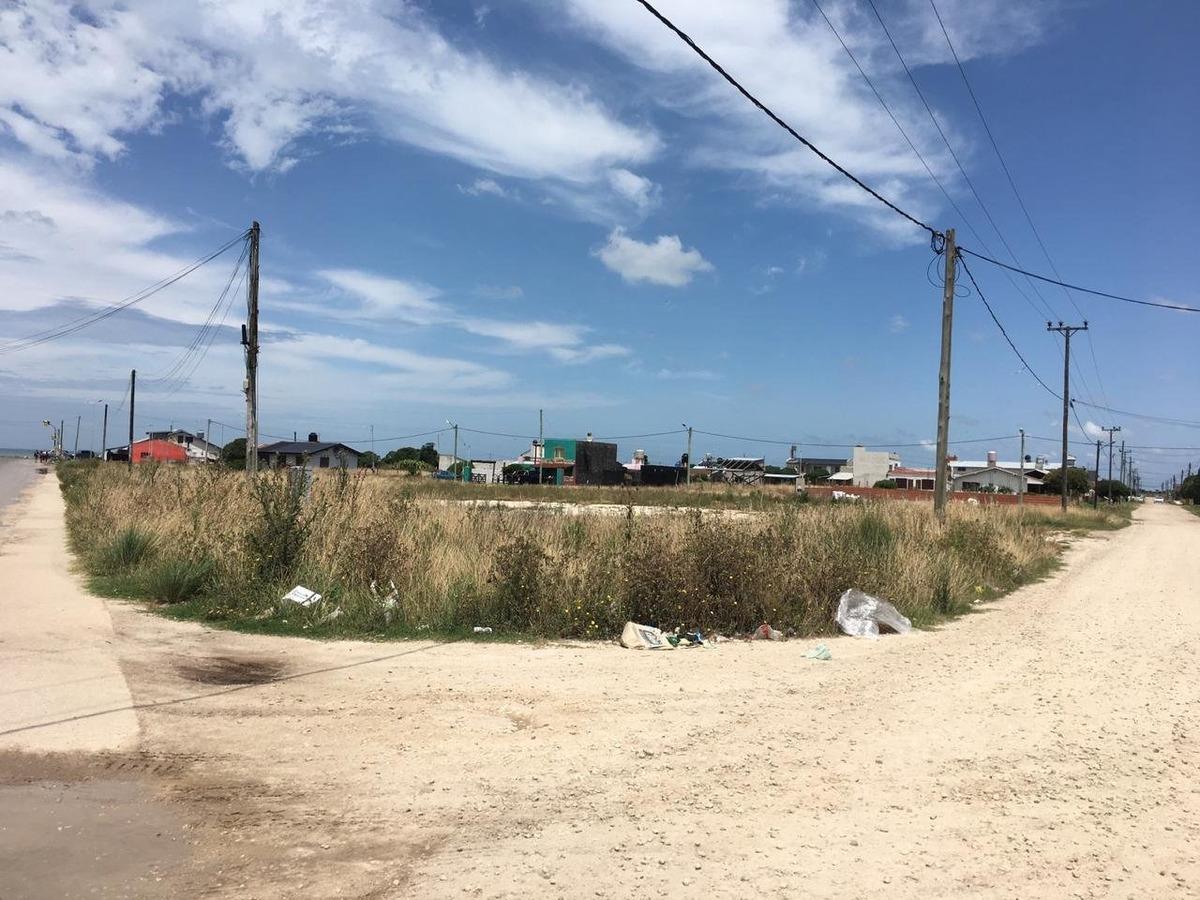 latorre prop vende lote a 100 metros del mar en barrio felix .u .camet