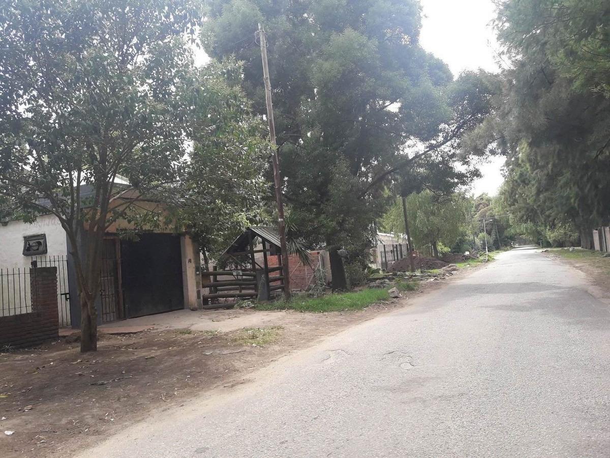 latorre prop. vende lote de 466 m2 en barrio las dalias -