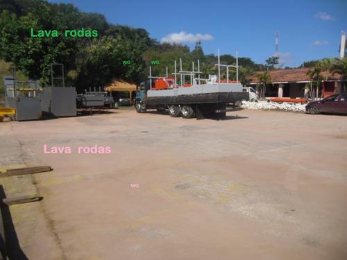 lava rodas e chassi de carros-pick up e caminhões