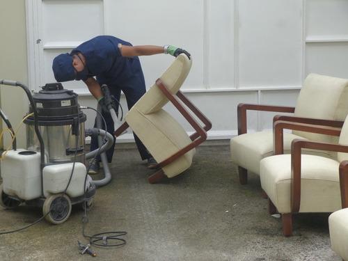 lavado de muebles, colchones y tapicería de vehículo