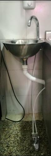 lavamanos en acero con llave de pedal fijo o portátil
