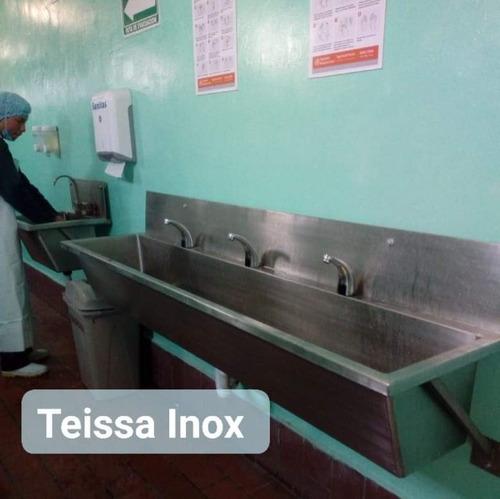 lavamanos en acero inoxidable con llaves con sensor automáti