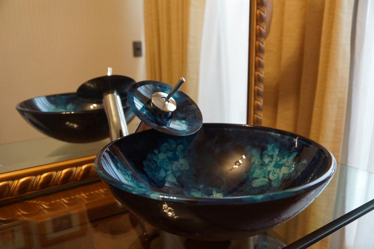Lavamanos vidrio templado griferia cascada desag e pop for Precio de llaves para lavamanos