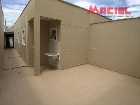 lavanderia coberta - 2 vagas - 1 suite