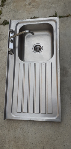 lavaplatos de aluminio con desagüe