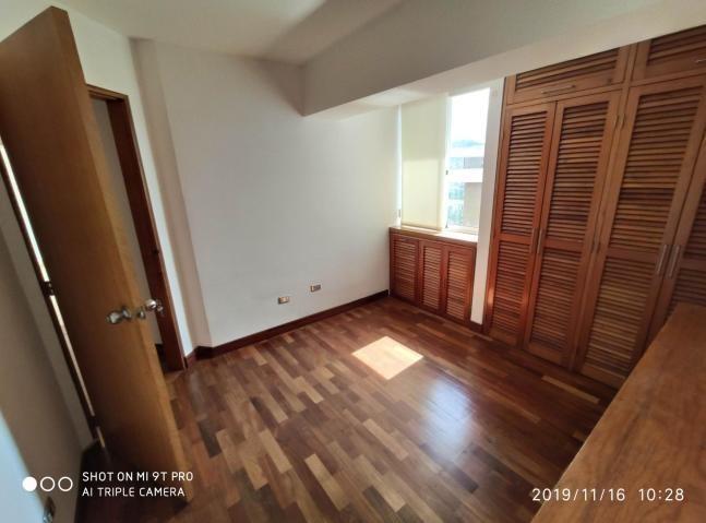 lb vende apartamento en la urbina