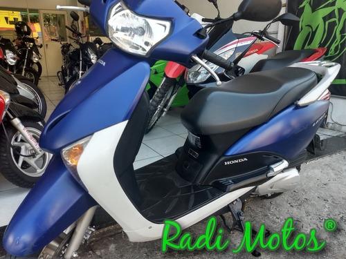 lead moto honda