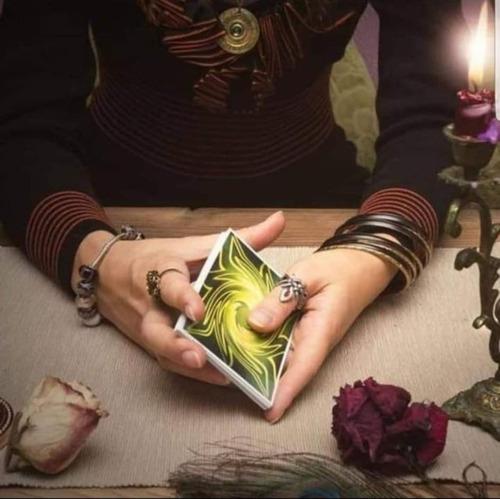 lectura de cartas tarot, españolas y marselles
