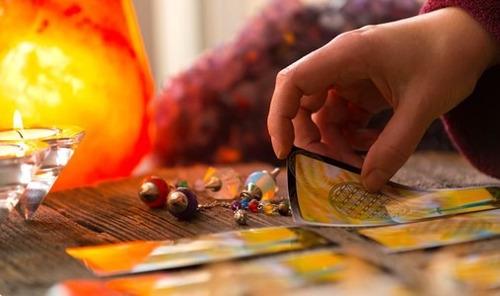 lectura de tarot + consejo del i ching