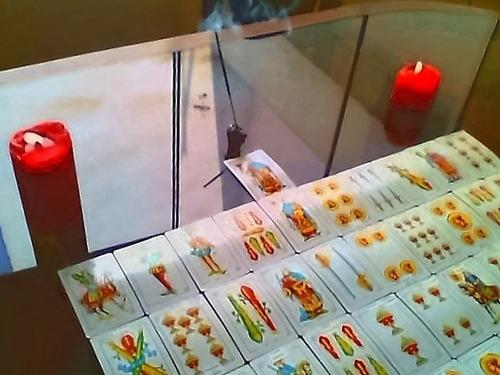 lectura de tarot español, pasado, presente, y futuro