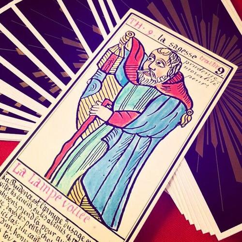 lectura de tarot simbólica, consultoría y consejería