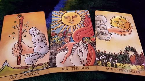 lectura del tarot (instagram: lamagiadelamarillo)