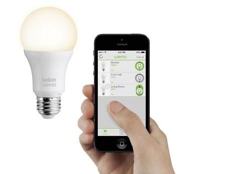 led inteligente controlado de forma remota por smartphone