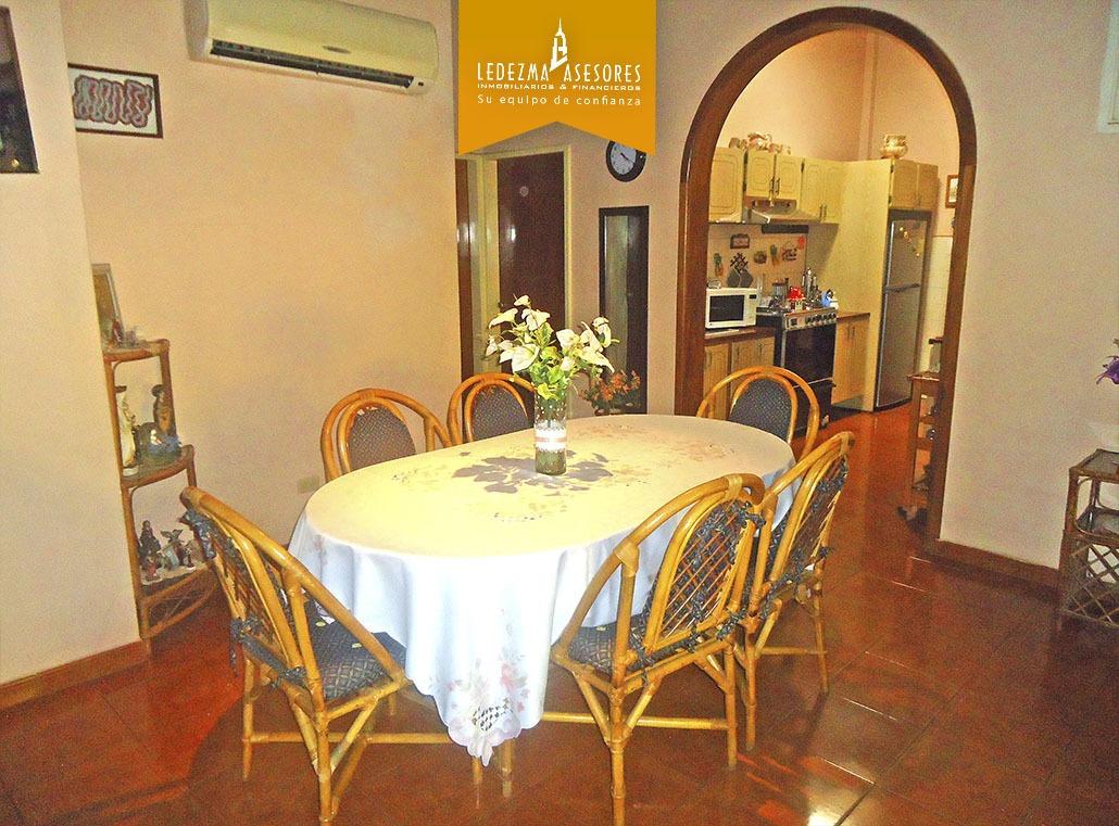ledezma asesores vende casa-quinta por la 17 diciembre