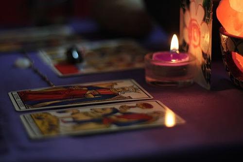 leitura de tarot e baralho cigano