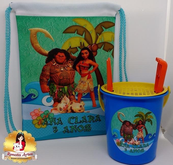 Lembrancinha Personalizada Moana 15 Kit Verão - R  210,00 em Mercado ... d8b73f71b9