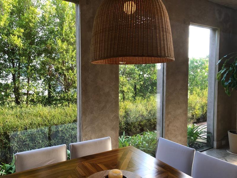 lencke vende - excelente casa en albanueva