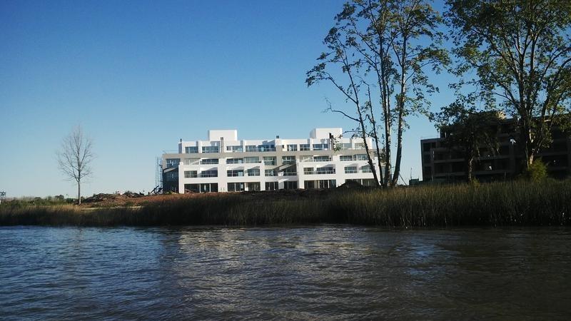 lencke vende - excelente dormy frente al rio, a estrenar, detalles de categoria.
