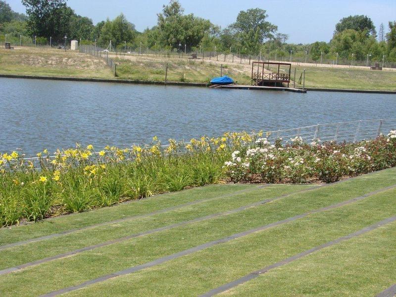 lencke vende - muy buen lote en albanueva, excelentes vistas, ubicado sobre el canal central