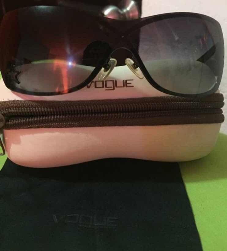 96de20c3f3 Lentes De Sol Vogue Negro 100% Originales - $ 420.00 en Mercado Libre