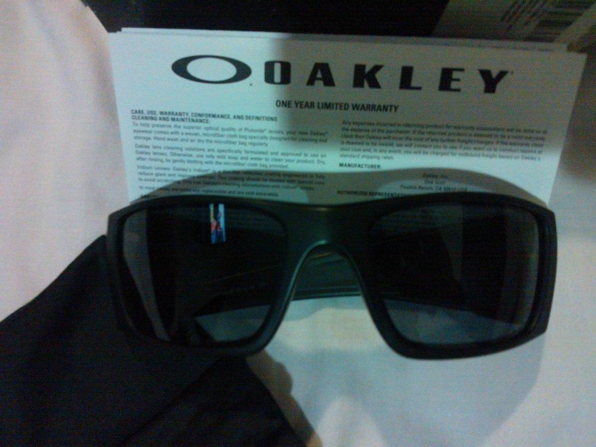 f70b8871624a1 Lentes Oakley Fuel Cell 100% Original - Bs. 3.500,00 en Mercado Libre