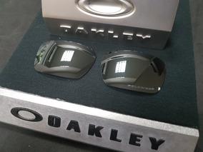 f6a1ebaf5 Óculos Oakley Fuel Cell England Polished White Ruby no Mercado Livre Brasil