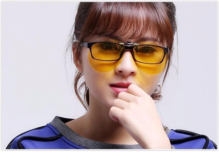 a25416575ba1a Lentes P  Óculos Clip On Estilo Aviador Amarelo Polarizado - R  69 ...
