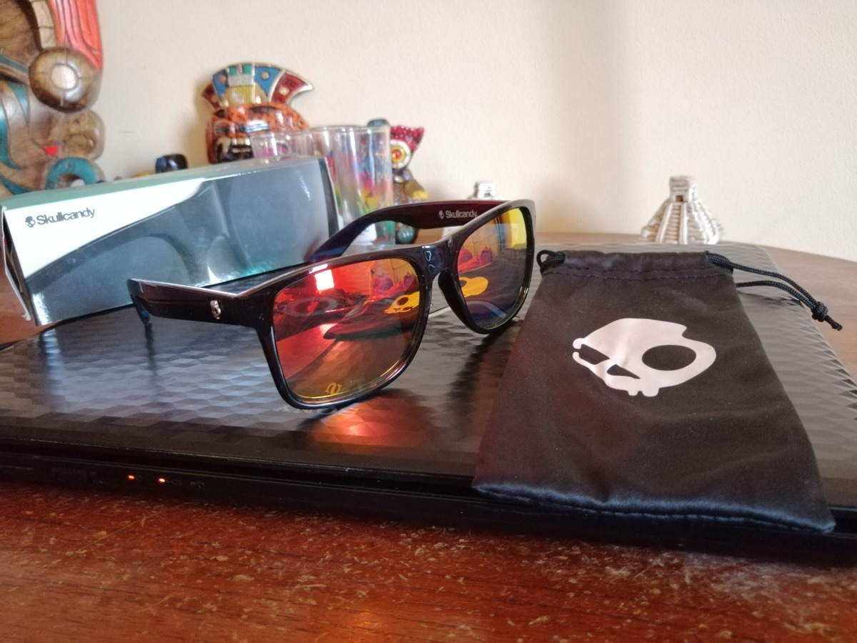 02fad2d932 lentes skullcandy nuevo en caja funda luna roja marco negro. Cargando zoom.