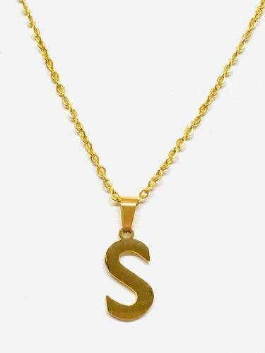 letra s con cadena en acero y chapa de oro