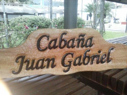 letra y cartel tallado a mano en madera  diseñoraul