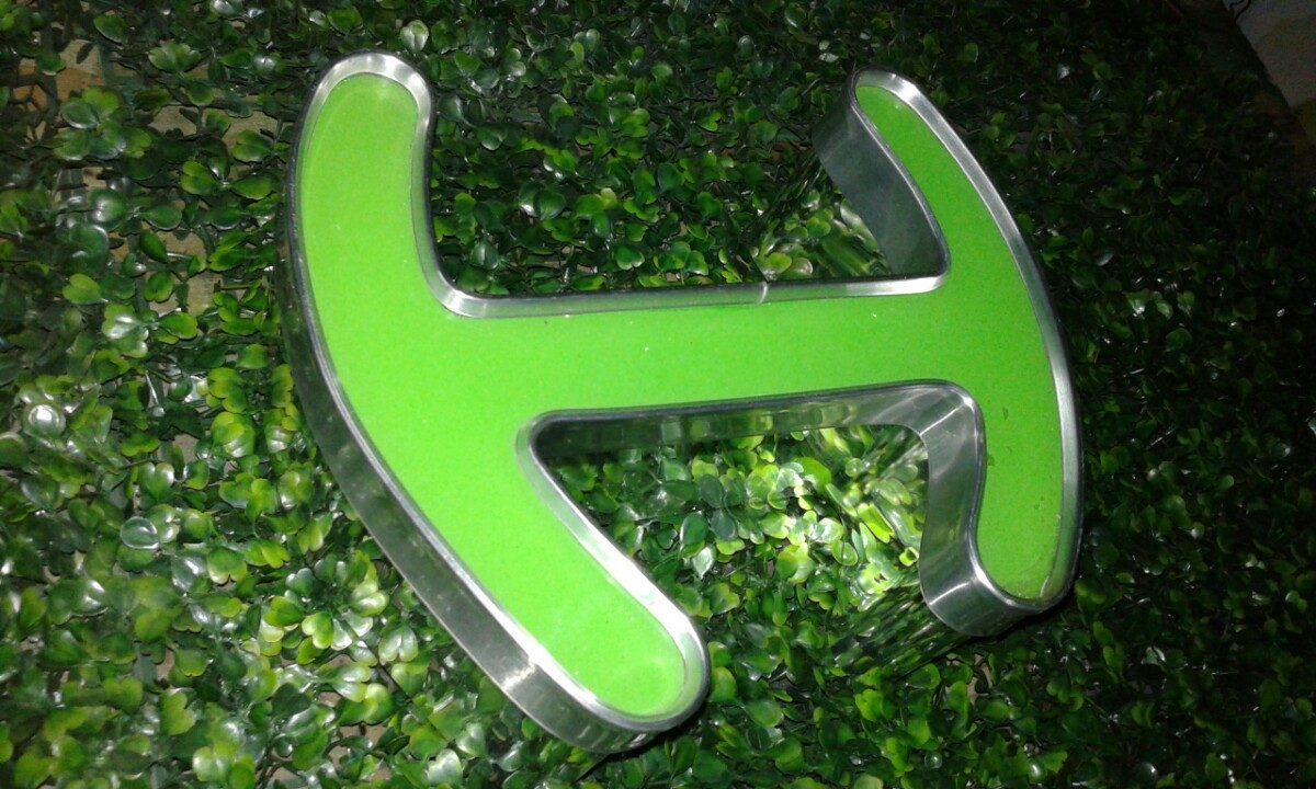 Letras 3d Logotipo Aluminio Espejo Y Acrílico Rgb Precio Cm ...