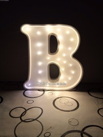 letras 70 cm pintada con luces led polyfan nombres