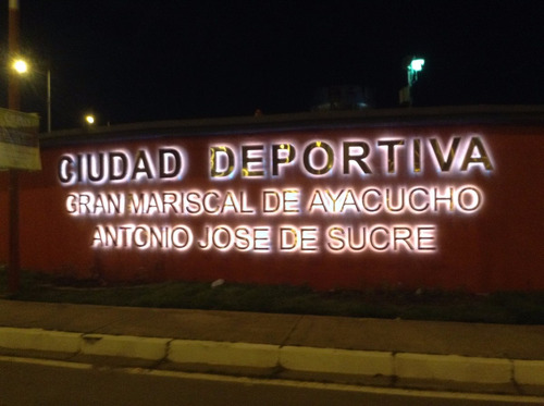 letras corpóreas logotipos avisos luminosos led neon