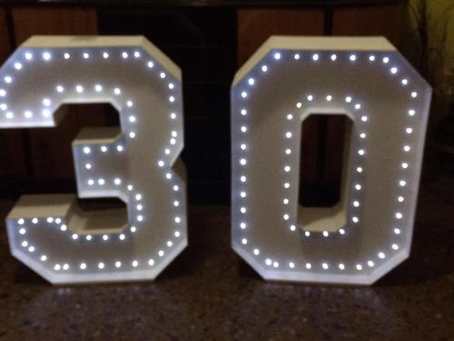 letras corporeas luminosas  números led 80 cm pila alquiler