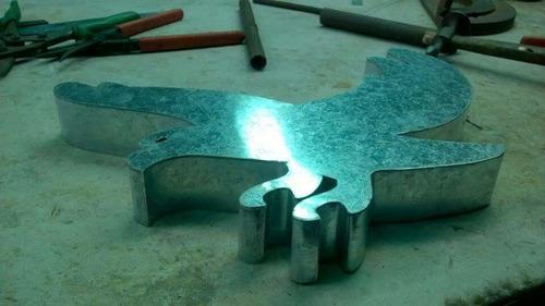 letras corporeas oxidadas con focos! lamparas! leds!