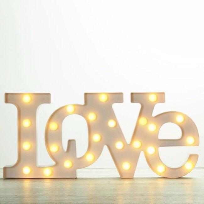 letras decorativas en mdf luminosas