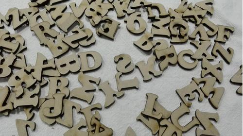 letras fibrofácil de 2 cm. por 100 unidades
