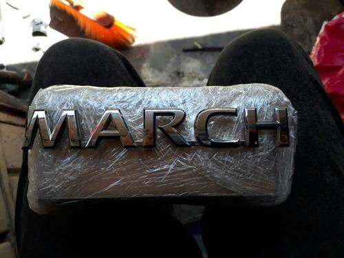 letras nissan march