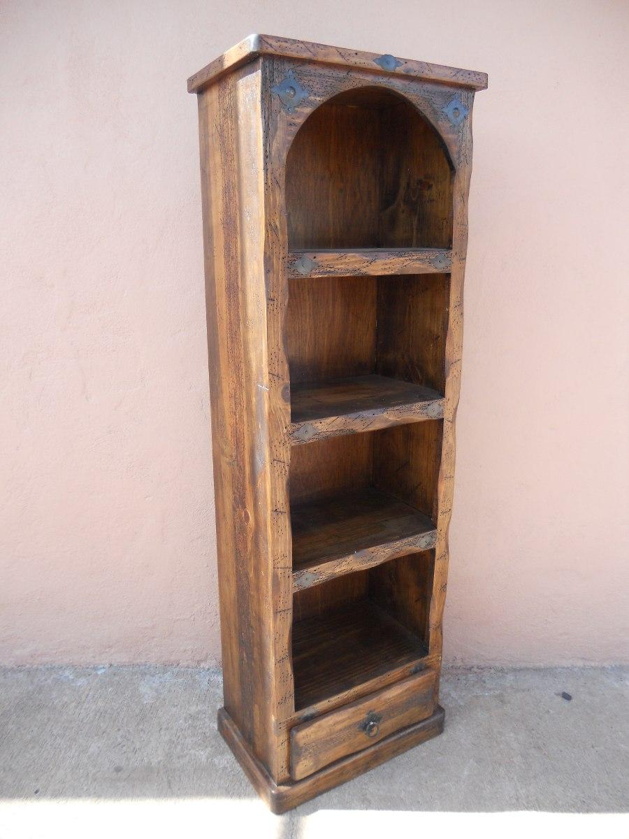 Librero r stico madera de pino for Bar de madera de pino