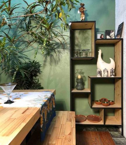 librero/cómoda palets vertical con hierro forjado
