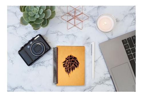 libreta con león de madera estilo minimalista art14316