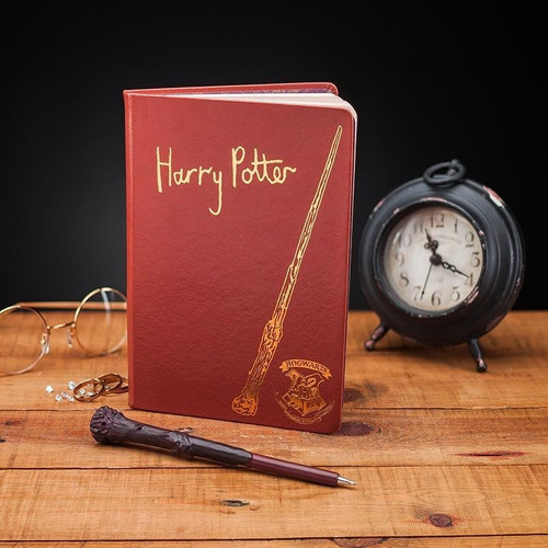 libreta con pluma harry potter