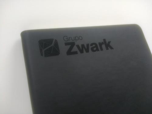 libreta elegante personalizada gratis con grabado láser