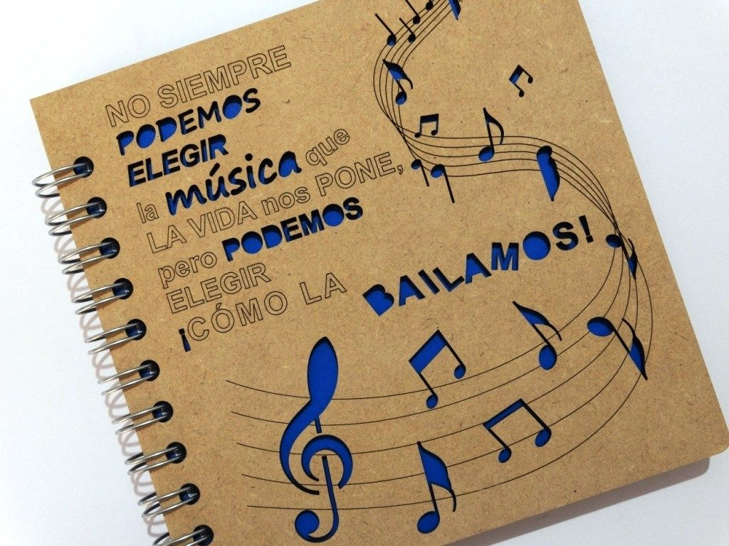 Libreta Madera Corte Láser Música Y Baile Frase Motivacional