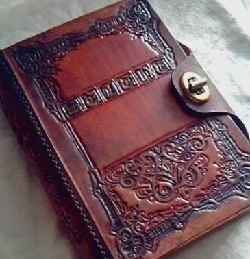 Entre marcas y cicatrices [Priv. Dipper] Libro-cuero-encuadernado-para-escribir-grabado-personalizado-D_NQ_NP_4029-MLA108808837_768-F