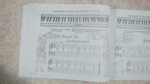 libro enseñando a tocar con los deditos.