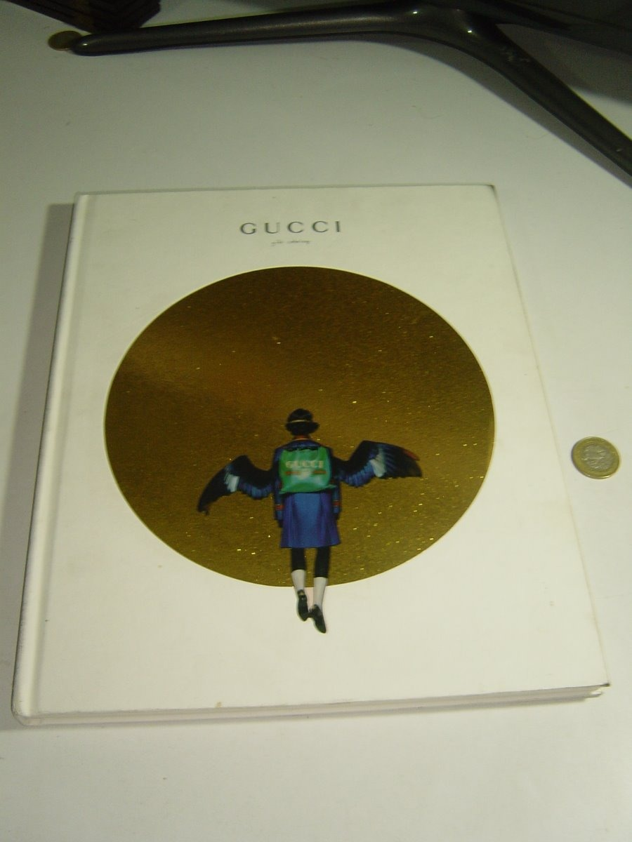 03e056eac483 libro gucci gift catalog ilustrado 2017. Cargando zoom.