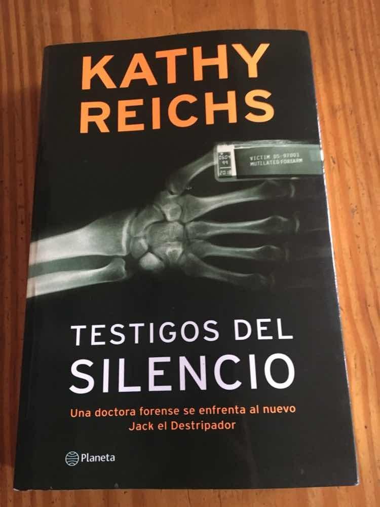 testigos del silencio kathy reichs