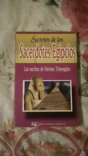 libro secretos de los sacerdotes egipcios.